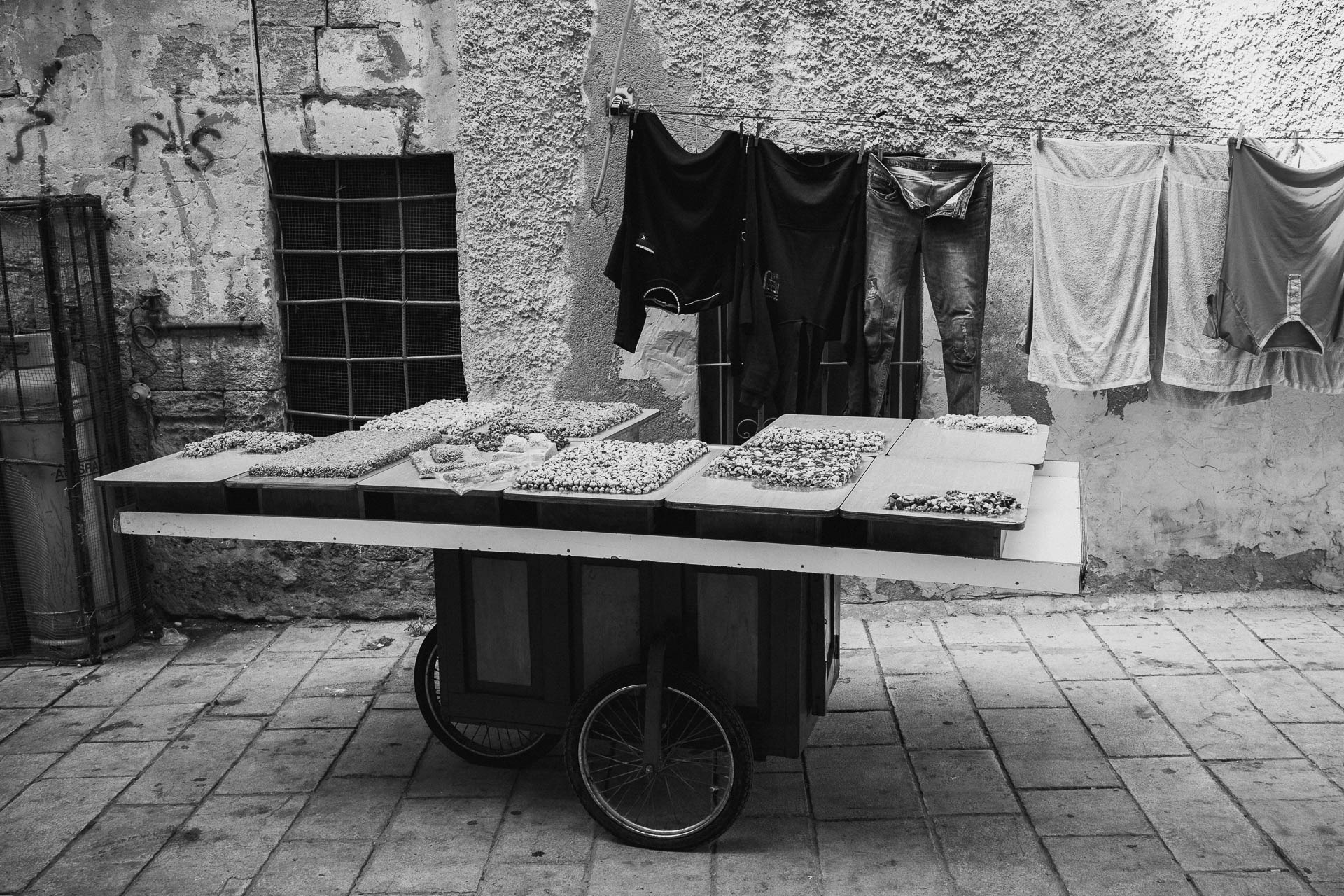 Old Akko, Israel ; Honey nuts cart - vendor: Jumaa Taha